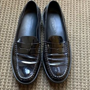 Tods patent moccasins